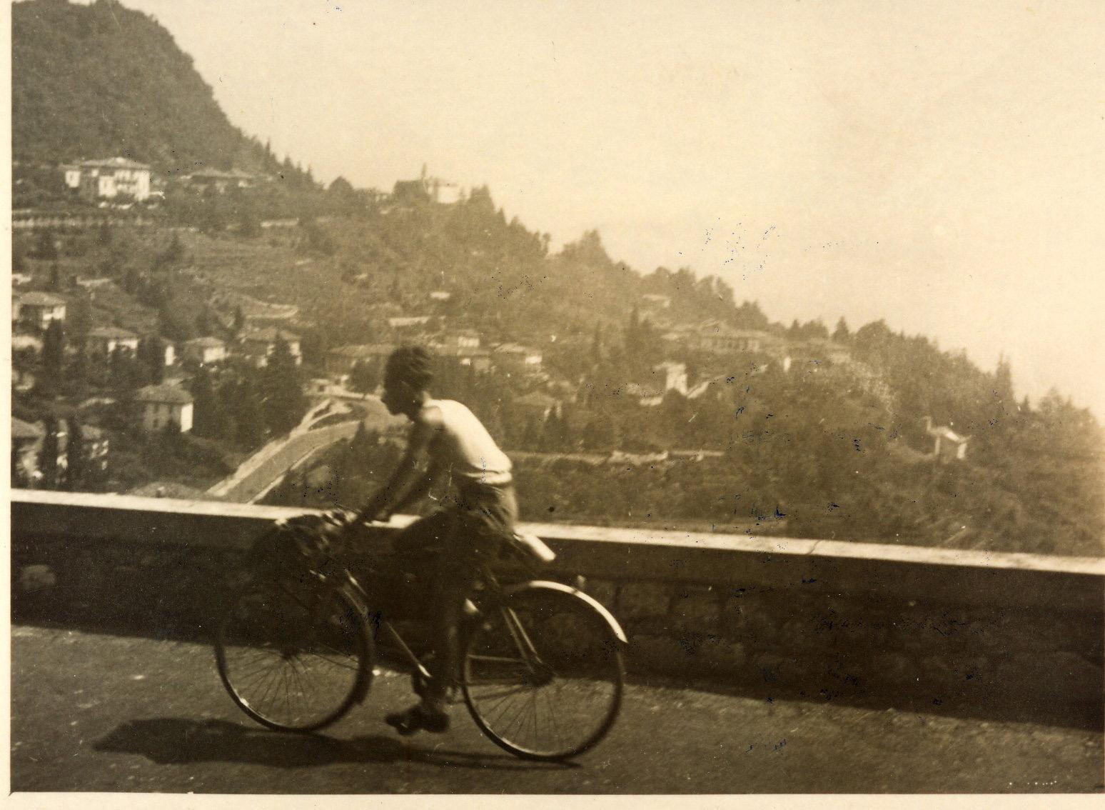 Primo Levi in bicicletta - Lago d'Orta